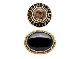 Two Antique Gold Memorial Brooches at Dupuis Auctions